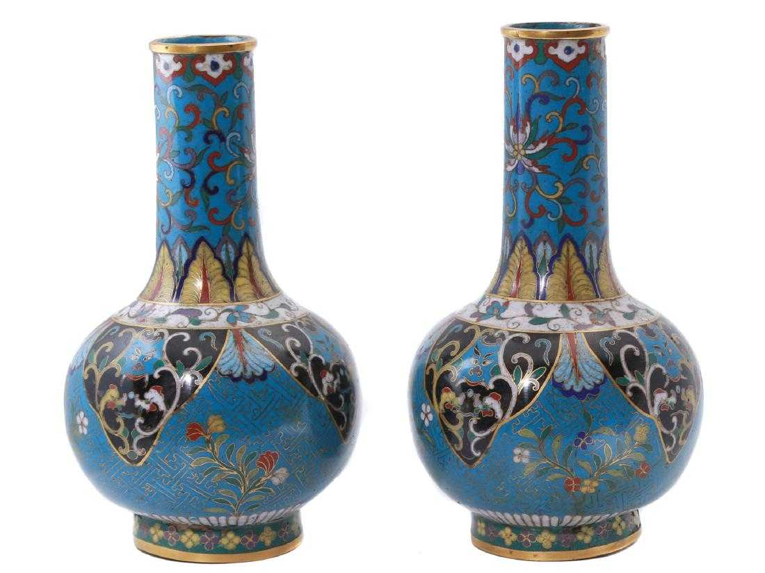 PAIR OF CHINESE EXPORT CLOISONNE VASES, 19TH C.